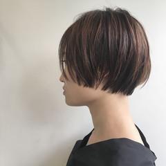 マッシュ リラックス グレージュ ナチュラル ヘアスタイルや髪型の写真・画像