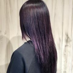 ロング バイオレットカラー ブリーチカラー 暗髪 ヘアスタイルや髪型の写真・画像
