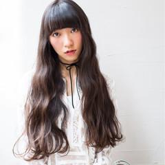 ウェーブ フェミニン ロング ガーリー ヘアスタイルや髪型の写真・画像