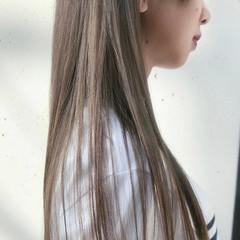 ナチュラル ベージュ ロング シアーベージュ ヘアスタイルや髪型の写真・画像