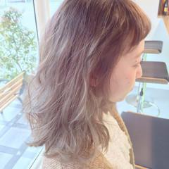 外ハネ 大人かわいい グラデーションカラー 外国人風 ヘアスタイルや髪型の写真・画像