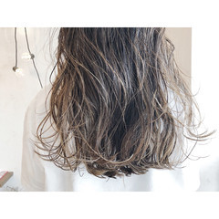 ロング 大人ハイライト コントラストハイライト ハイライト ヘアスタイルや髪型の写真・画像