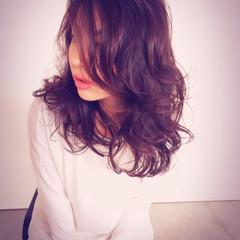 黒髪 ゆるふわ ウェーブ ラフ ヘアスタイルや髪型の写真・画像
