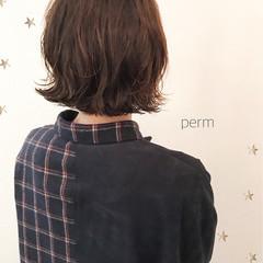 ゆるふわ ミディアム こなれ感 パーマ ヘアスタイルや髪型の写真・画像