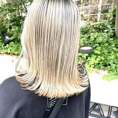 ミルクティーベージュ ミディアム ハイトーンカラー モード ヘアスタイルや髪型の写真・画像