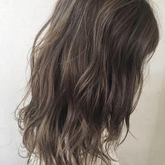 ナチュラル ハイライト セミロング 外国人風 ヘアスタイルや髪型の写真・画像