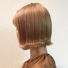 ミニボブ 切りっぱなしボブ ボブ ミルクティーベージュ ヘアスタイルや髪型の写真・画像