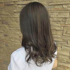 外国人風 秋 グレージュ アウトドア ヘアスタイルや髪型の写真・画像