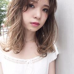 ミディアム 秋 大人かわいい ナチュラル ヘアスタイルや髪型の写真・画像