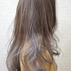 ガーリー ブルー ロング アッシュ ヘアスタイルや髪型の写真・画像