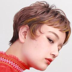 ベリーショート インナーカラー ブリーチカラー ショート ヘアスタイルや髪型の写真・画像