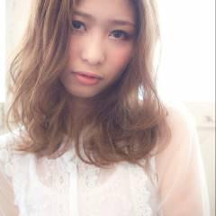 ガーリー フェミニン モテ髪 ミディアム ヘアスタイルや髪型の写真・画像