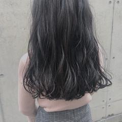 波巻き オリーブグレージュ フェミニン 外国人風 ヘアスタイルや髪型の写真・画像