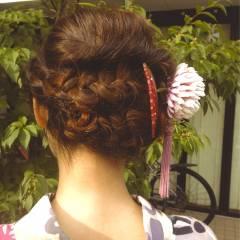 ナチュラル 編み込み ヘアアレンジ パーティ ヘアスタイルや髪型の写真・画像