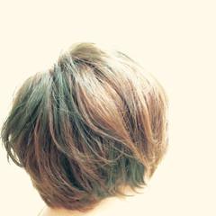 ショート モード グリーン インナーカラー ヘアスタイルや髪型の写真・画像