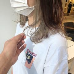 ナチュラル ミディアム ラベージュ インナーカラー ヘアスタイルや髪型の写真・画像