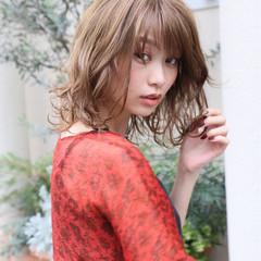 ウェーブ アンニュイ 波ウェーブ ミディアム ヘアスタイルや髪型の写真・画像