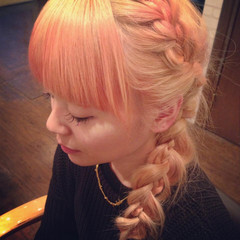 ヘアアレンジ ガーリー セミロング 外国人風 ヘアスタイルや髪型の写真・画像
