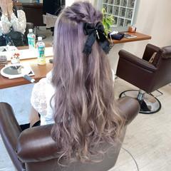 フェミニン ラベンダーピンク ロング 派手髪 ヘアスタイルや髪型の写真・画像