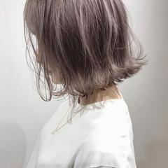 ミニボブ ナチュラル 切りっぱなしボブ ブリーチカラー ヘアスタイルや髪型の写真・画像
