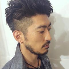 黒髪 メンズスタイル ツーブロック 無造作パーマ ヘアスタイルや髪型の写真・画像