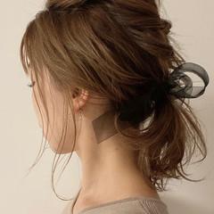 簡単ヘアアレンジ ナチュラル ミディアム ローポニーテール ヘアスタイルや髪型の写真・画像
