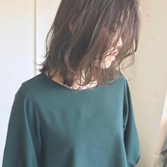 デート グレージュ オフィス ナチュラル ヘアスタイルや髪型の写真・画像