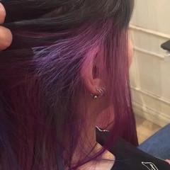 ストリート インナーカラー 暗髪 ミディアム ヘアスタイルや髪型の写真・画像