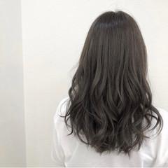 コテ巻き ミディアム ナチュラル 透明感カラー ヘアスタイルや髪型の写真・画像
