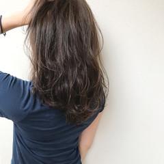 オフィス 透明感 セミロング 巻き髪 ヘアスタイルや髪型の写真・画像