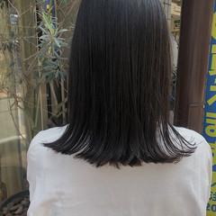 外ハネ セミロング 切りっぱなしボブ ナチュラル ヘアスタイルや髪型の写真・画像