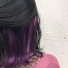 黒髪 ブリーチ インナーカラー パープル ヘアスタイルや髪型の写真・画像