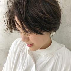 ナチュラルベージュ 小顔ショート デート ショート ヘアスタイルや髪型の写真・画像