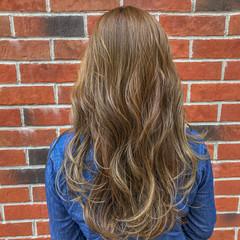 ミディアム ハイライト エレガント ヘアアレンジ ヘアスタイルや髪型の写真・画像