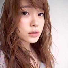 グラデーションカラー 外国人風 ゆるふわ セミロング ヘアスタイルや髪型の写真・画像