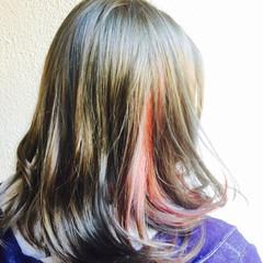 アッシュ インナーカラー ミディアム 外国人風 ヘアスタイルや髪型の写真・画像