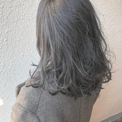 外国人風カラー ダブルカラー グレージュ セミロング ヘアスタイルや髪型の写真・画像