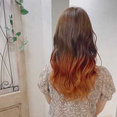 オレンジ ヘアカラー ストリート ロング ヘアスタイルや髪型の写真・画像