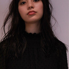 レイヤーカット 外国人風 セミロング 前髪あり ヘアスタイルや髪型の写真・画像