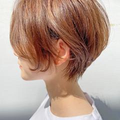 ショートボブ ショートヘア ナチュラル アッシュベージュ ヘアスタイルや髪型の写真・画像