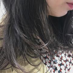 ハイライト ブリーチ ウェーブ 暗髪 ヘアスタイルや髪型の写真・画像