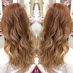 ベージュ ハイライト ダブルカラー ガーリー ヘアスタイルや髪型の写真・画像