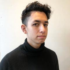 メンズヘア メンズ フェードカット スパイラルパーマ ヘアスタイルや髪型の写真・画像