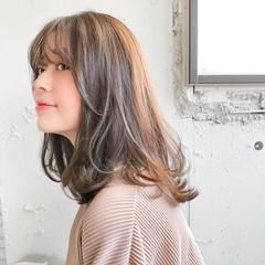 アンニュイほつれヘア アウトドア ナチュラル ミディアム ヘアスタイルや髪型の写真・画像
