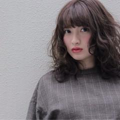 アッシュ モテ髪 フェミニン ミディアム ヘアスタイルや髪型の写真・画像