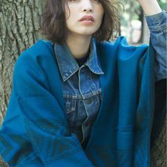 くせ毛風 ボブ 外国人風 ストリート ヘアスタイルや髪型の写真・画像