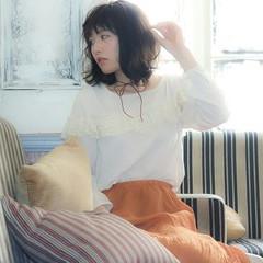 アッシュ ナチュラル 大人かわいい フェミニン ヘアスタイルや髪型の写真・画像