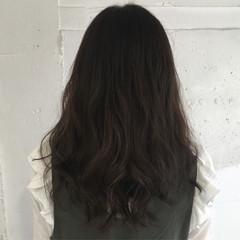 ミディアム アッシュグレージュ 暗髪 ゆるふわ ヘアスタイルや髪型の写真・画像
