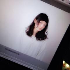 ミディアム 黒髪 パーマ オン眉 ヘアスタイルや髪型の写真・画像