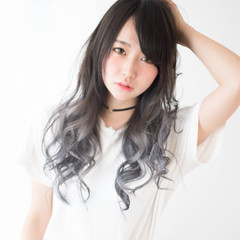 ゆるふわ セミロング グラデーションカラー ミルクティーベージュ ヘアスタイルや髪型の写真・画像